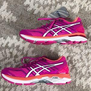 ASICS GT-2000 Hot Pink Running Shoes Sz 8 NWT